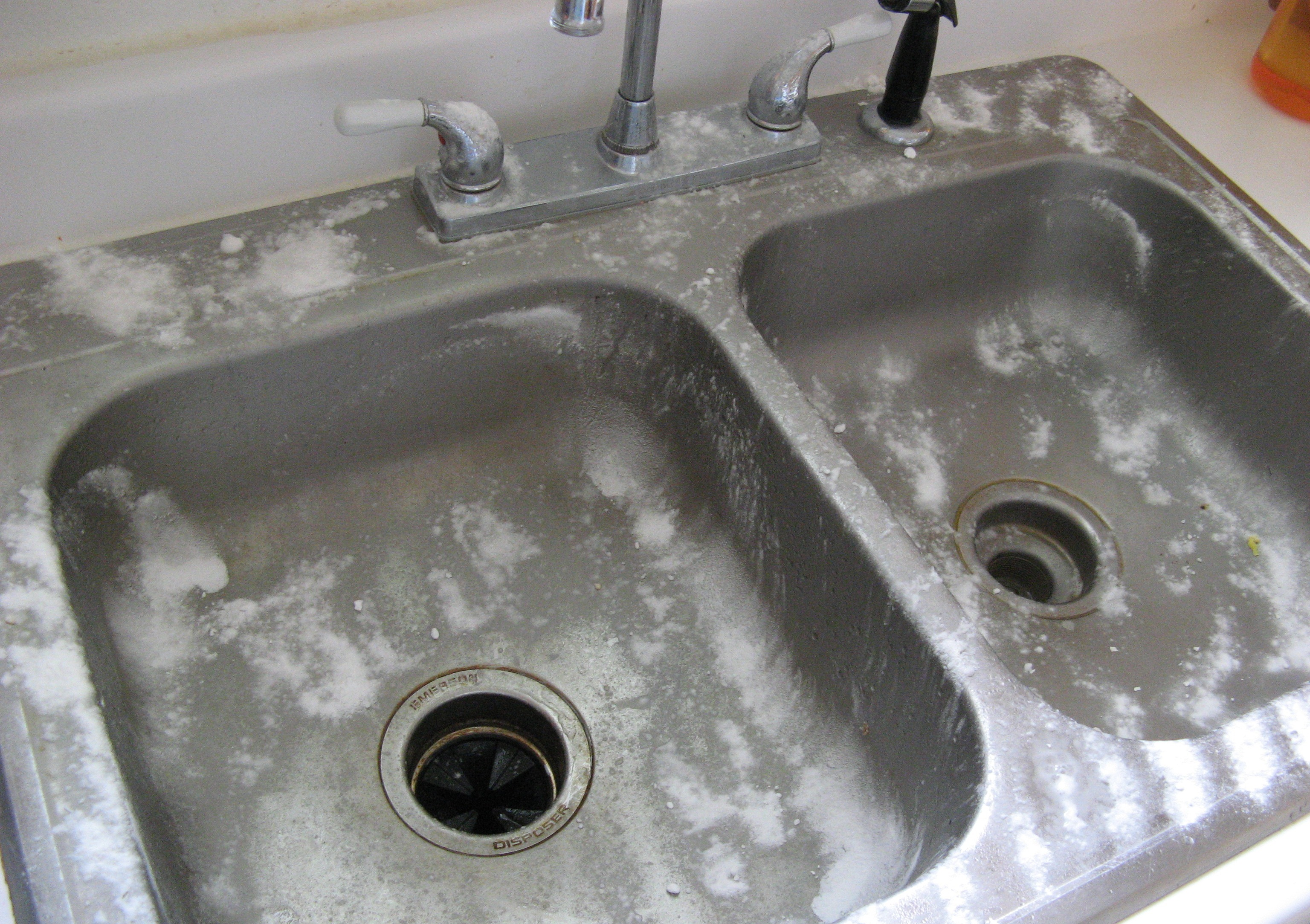 How to remove stains from stainless steel sink