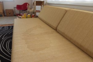 Smart Natural Solution That Removes Stubborn Stains From Fabric Sofa